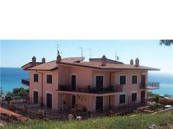Calabria vendesi villetta a schiera