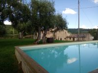 Casolare immerso nelle spettacolari colline umbre- Cottage nestled in the spectacular Umbrian hills (Affitto/Rent/Mieten).